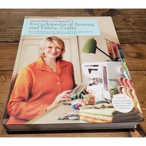 Martha Stewart Encyclopedia of Sewing and Fabric